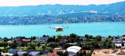 I droni della Posta trasporteranno regolarmente campioni di laboratorio sorvolando il lago di Zurigo