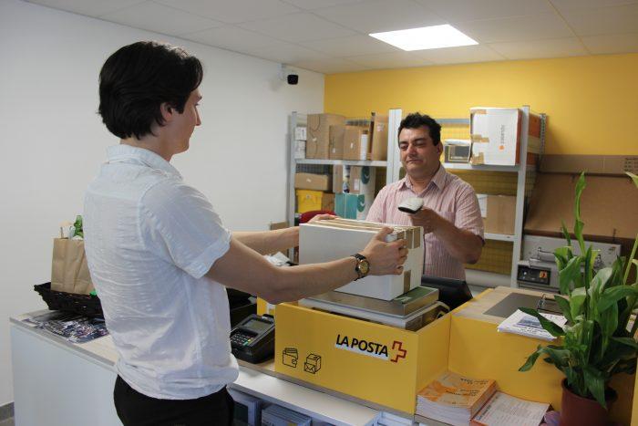 La clientèle de la Poste retrouve «son» Roberto Manera, désormais employé par l'OTAF après la transformation de la filiale.