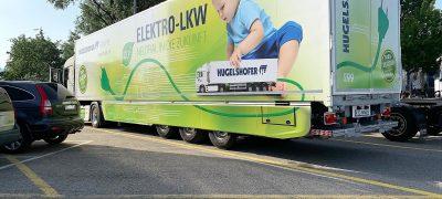 Un autocarro da 40 tonnellate completamente elettrico − e al servizio della Posta