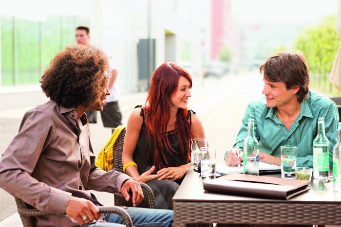 È importante che i collaboratori della Posta sappiano comunicare nelle diverse lingue nazionali.