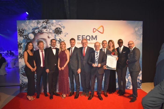 Preisgekrönt: Die Delegation von Postmail in Helsinki (Bild: zvg)