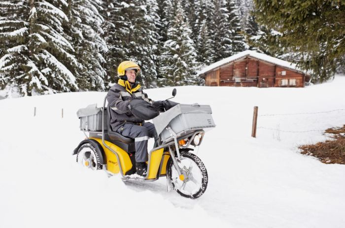 Sicherere Fahrt auch bei Schnee und Eis mit dem Elektro-Dreirad der Post