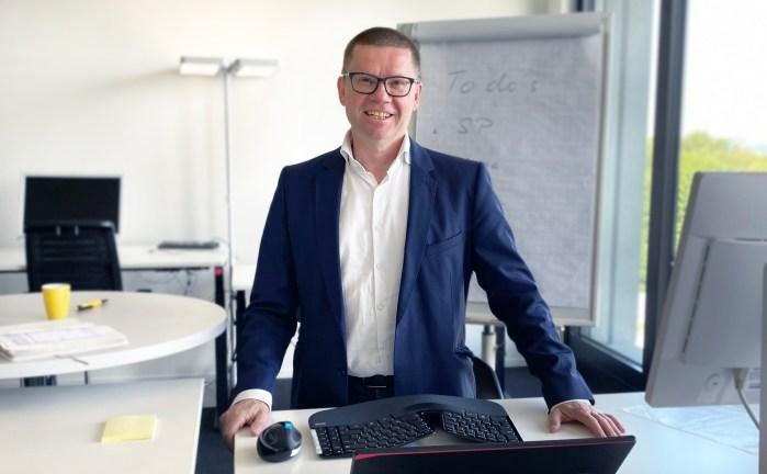 Stefan Luginbühl ist verantwortlich für die Paketverarbeitung