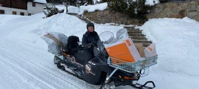 Die Post ist auch per Schneetöff unterwegs