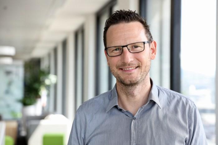Fach- und Nachhaltigkeitsspezialist Beat Hänni: Er hat die Umrüstung der Logistikzentren der Post begleitet.