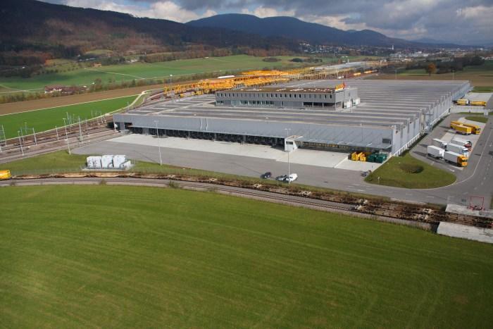 Das Briefsortierzentrum Härkingen erhält auf freigewordenen Flächen aufgrund des schrumpfenden Briefvolumens eine Sortieranlage für Pakete.