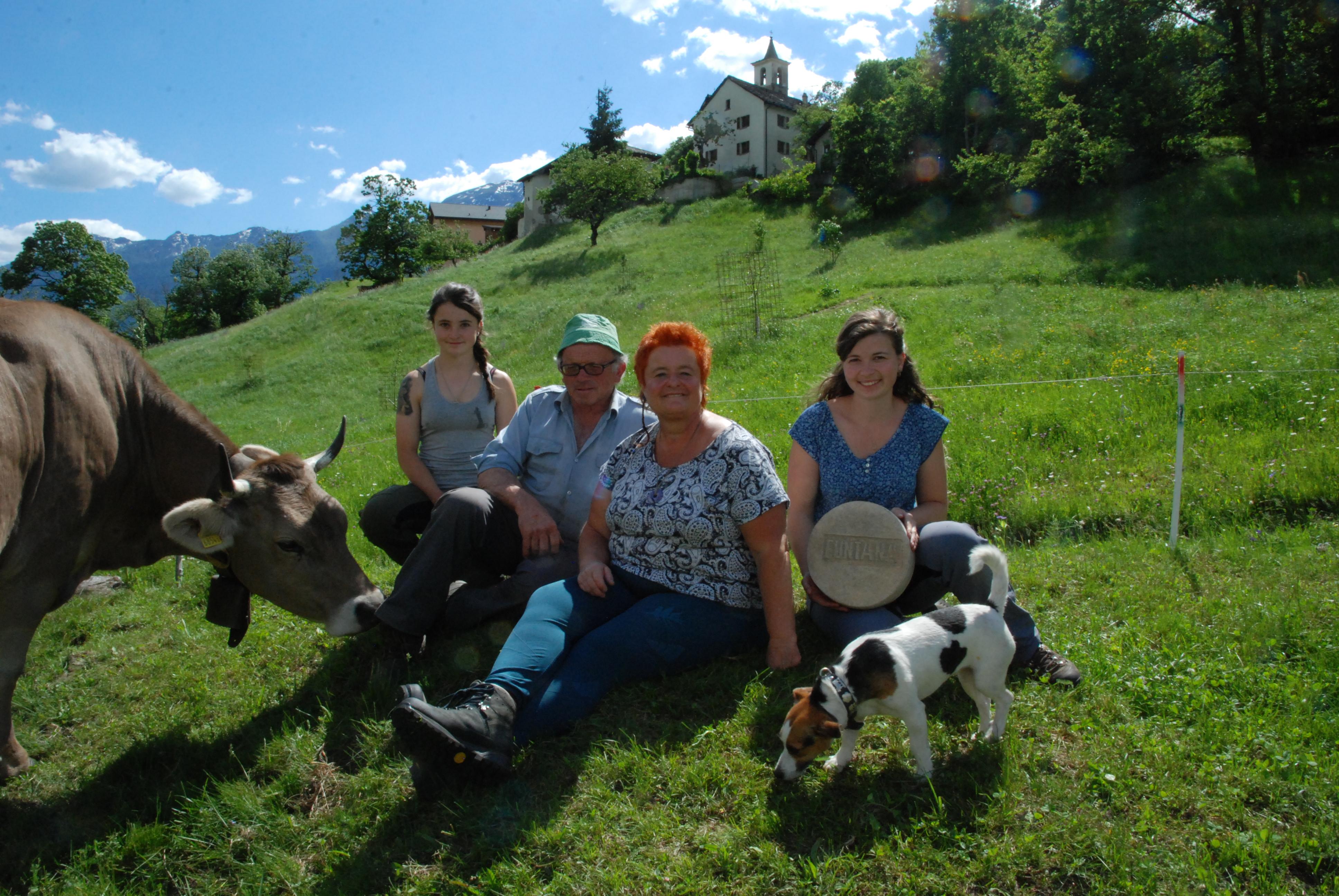 La famiglia Martinali: due generazioni, una sola passione. Doris, Carlo, Monika e Marina.